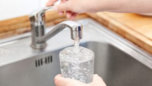 Durch Wasseraufbereitung Trinkwasserqualität verbessern
